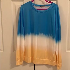🔵Blue and Yellow Ombré Long Sleeved Top Size S🟡